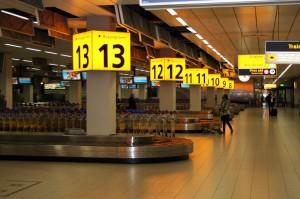 Gepäckabholbereich am Amsterdamer Flughafen